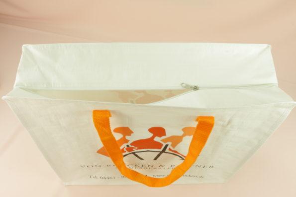 Werbetaschen 10465 oben, Nachhaltige Taschen - Wir achten mit Ihnen darauf, dass Kunststoffe kein Müll werden.